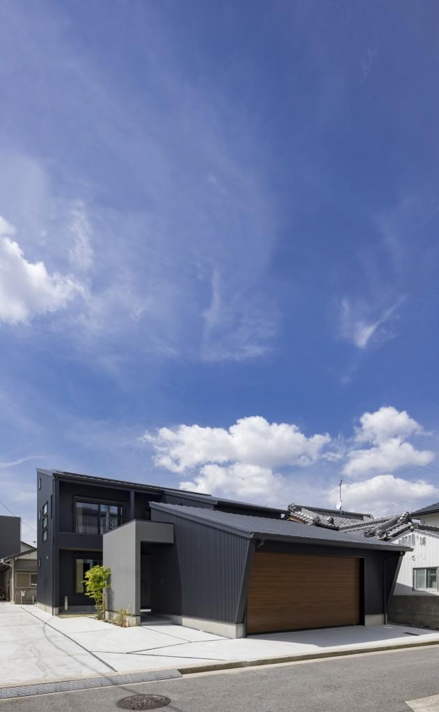 スタイリッシュを極めた片流れ屋根の家