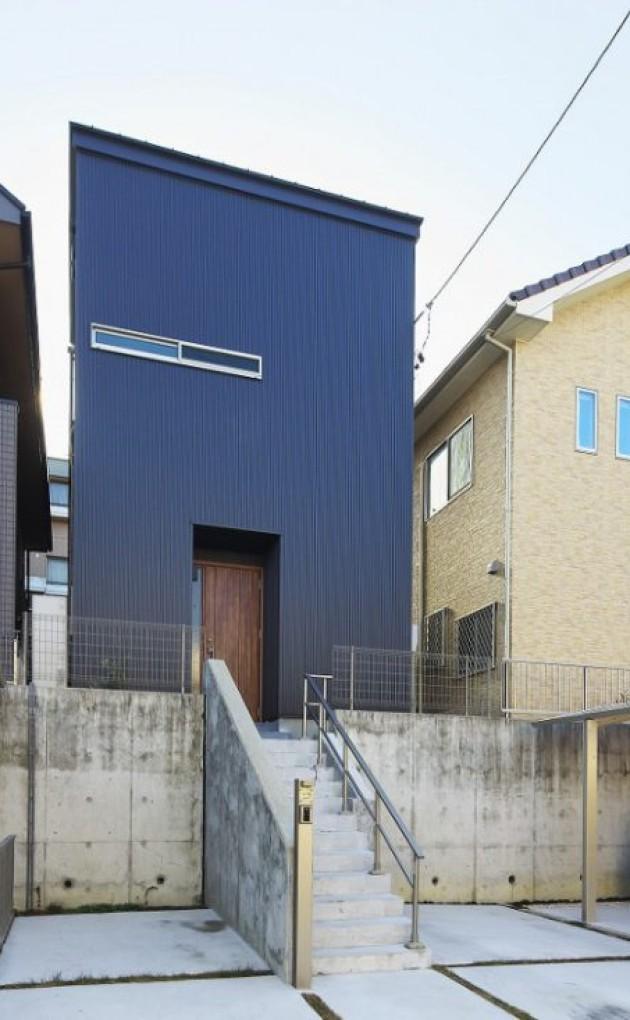 間口4.5mに建つモダンな狭小住宅