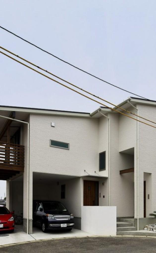 木目が美しい片流れ屋根の家